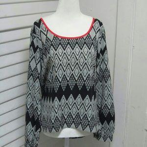 aztec print blouse size Large